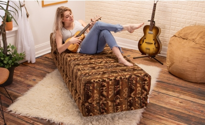 Alon Daybed - Chenille